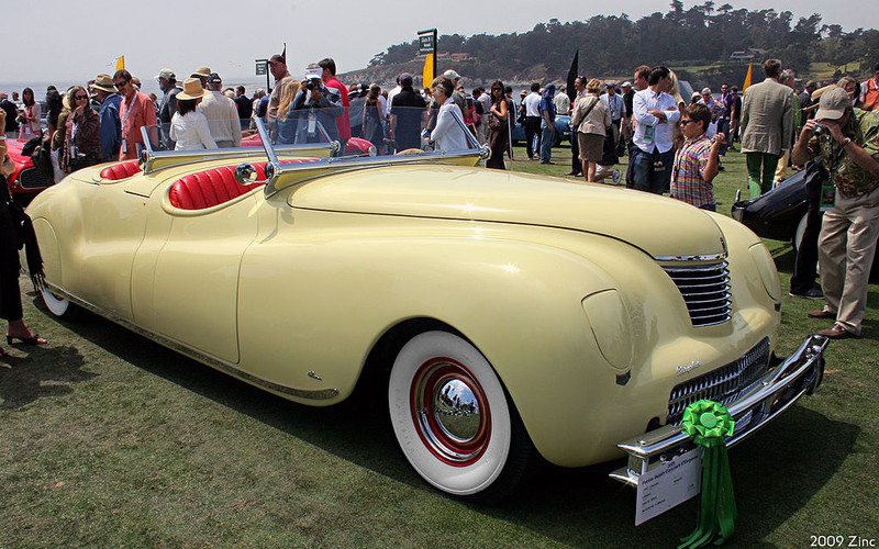 ":: ""1941 Newport"" von Rex Gray - 1941 Chrysler LeBaron Newport - fvr. Lizenziert unter CC BY-SA 2.0 über Wikimedia Commons - https://commons.wikimedia.org/wiki/File:1941_Newport.jpg#/media/File:1941_Newport.jpg"
