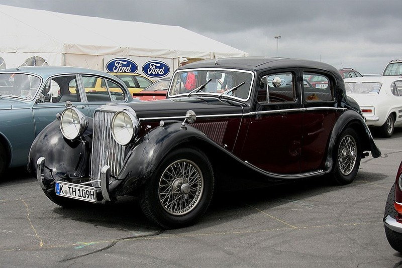 ":: ""Jaguar Mk4, Bj. 1948 (2008-06-28)"" von Spurzem - Lothar Spurzem - Eigenes Werk. Lizenziert unter CC BY-SA 2.0 de über Wikimedia Commons - https://commons.wikimedia.org/wiki/File:Jaguar_Mk4,_Bj._1948_(2008-06-28).JPG#/media/File:Jaguar_Mk4,_Bj._1948_(2008-06-28).JPG"
