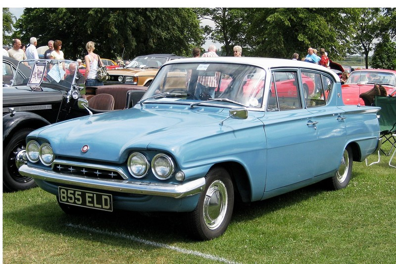 ":: ""Ford Classic four door registered May 1962 1498 cc"" von Charles01 - Eigenes Werk. Lizenziert unter CC BY-SA 3.0 über Wikimedia Commons - https://commons.wikimedia.org/wiki/File:Ford_Classic_four_door_registered_May_1962_1498_cc.JPG#/media/File:Ford_Classic_four_door_registered_May_1962_1498_cc.JPG"