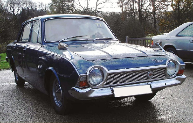 ":: ""Ford Consul Corsair1965"". Lizenziert unter CC BY-SA 2.5 über Wikimedia Commons - https://commons.wikimedia.org/wiki/File:Ford_Consul_Corsair1965.jpg#/media/File:Ford_Consul_Corsair1965.jpg"