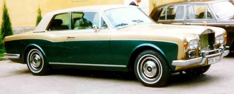 ":: ""Rolls-Royce Corniche 1977"" von Lars-Göran Lindgren Sweden - Eigenes Werk. Lizenziert unter CC BY-SA 3.0 über Wikimedia Commons - https://commons.wikimedia.org/wiki/File:Rolls-Royce_Corniche_1977.jpg#/media/File:Rolls-Royce_Corniche_1977.jpg"